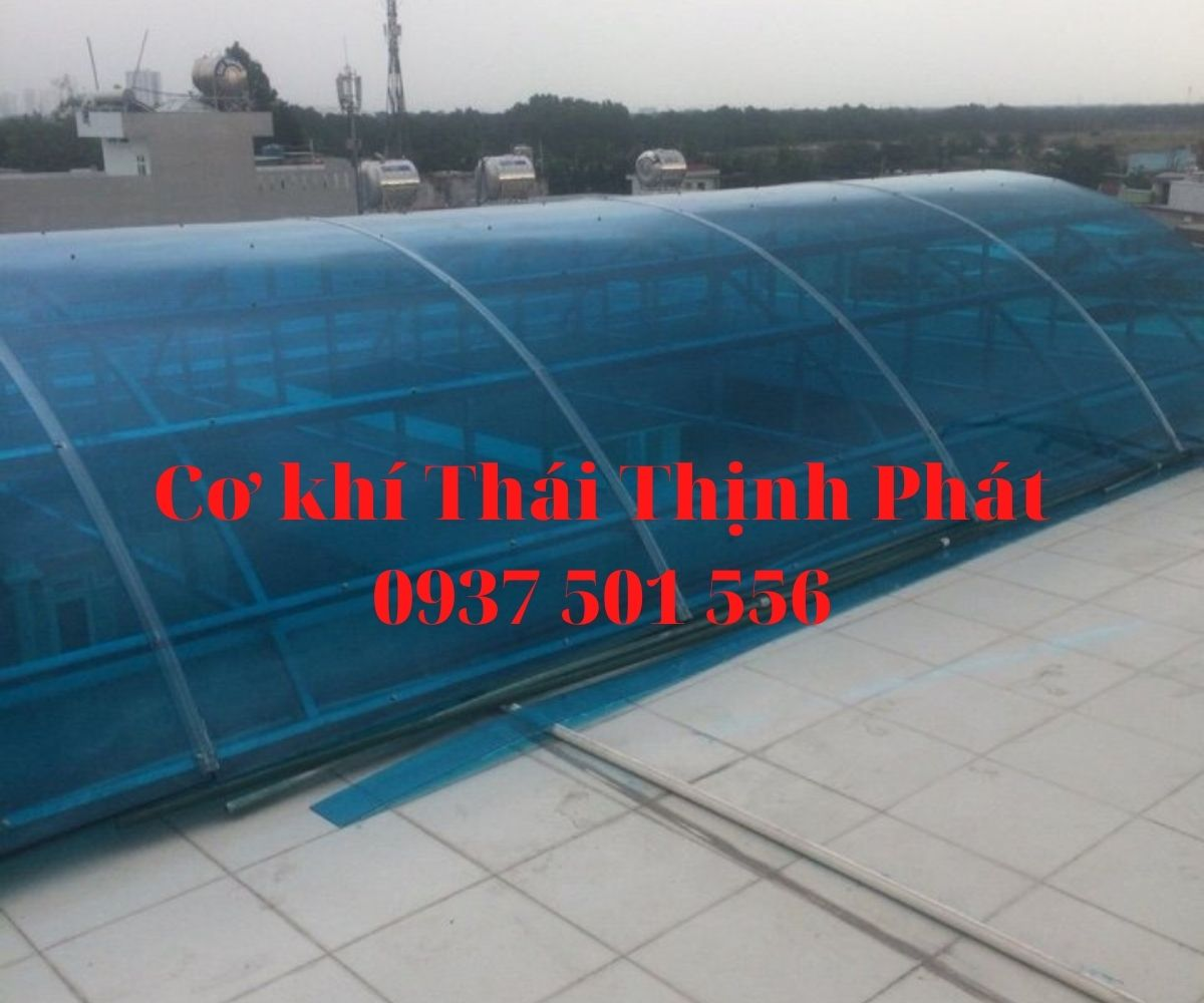 thi-cong-mai-poly-tai-quan-9